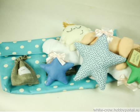 """Подвесная интерьерная игрушка """"Младенец на облаке"""" ручной работы на заказ"""