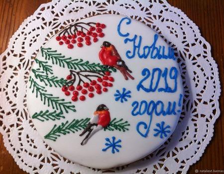 """Большой новогодний пряник """"Снегири"""" ручной работы на заказ"""