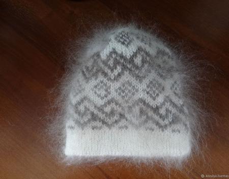 Шапка вязаная с орнаментом ручной работы на заказ