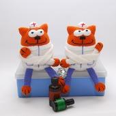 Вязаная крючком игрушка, сувенир Кот - доктор, врач