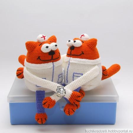 Вязаная крючком игрушка, сувенир Кот - доктор, врач ручной работы на заказ