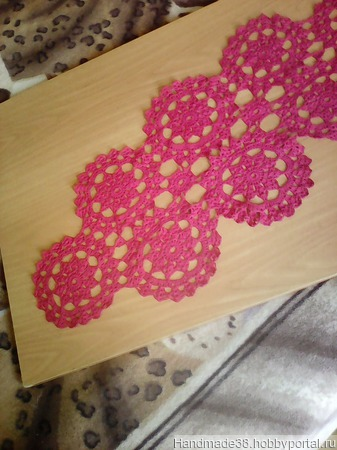Салфетка ажурная красная ручной работы на заказ