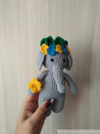 Слоник в веночке ручной работы на заказ