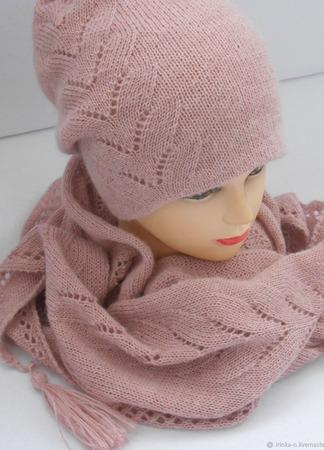 """Комплект вязаный  """" Розовый жемчуг""""  бактус и шапочка-бини ручной работы на заказ"""