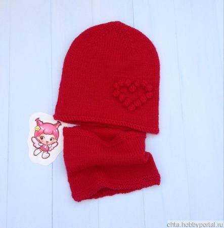 Детская вязаная шапочка с сердечком ручной работы на заказ