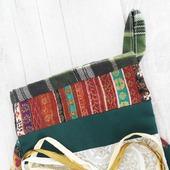 Новогодний сапожок для подарков с петелькой для подвешивания