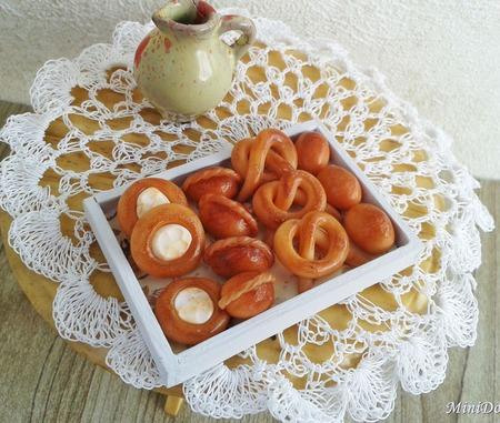 Еда для кукол - Ватрушки и кренделя для кукольной миниатюры ручной работы на заказ