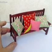 Подушки для кукольной миниатюры - Кукольные аксессуары