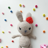 Зайка - малышка амигуруми (вязаная игрушка)