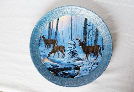 Тарелка с оленями ручной работы на заказ