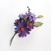 Брошь с фиолетовыми, сиреневыми цветами и каплей оранжевого
