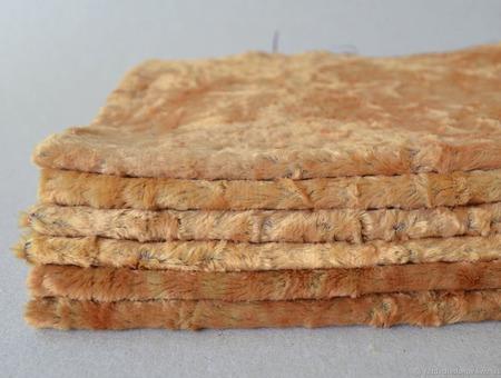 Плюш винтажный с контрастной основой №1 ручной работы на заказ
