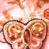 Брошь бабочка из бисера