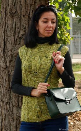 """Жилет """"Зеленый лист"""" ручной работы на заказ"""