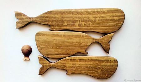 """Разделочные доски """"Стая китов и маленькая рыбка"""" ручной работы на заказ"""