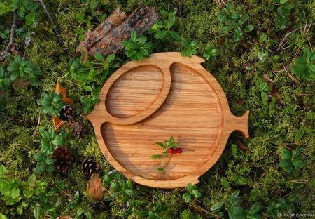 "Тарелка из дерева ""Лесная рыба"" ручной работы на заказ"