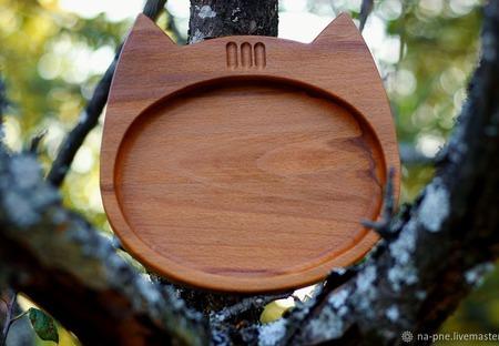 """Тарелка из дерева """"Кот"""" ручной работы на заказ"""
