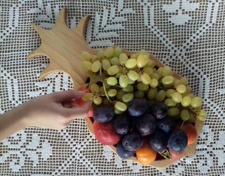 """Буковая тарелка и Блюдо для фруктов """"А у нас - ананас!"""" ручной работы на заказ"""