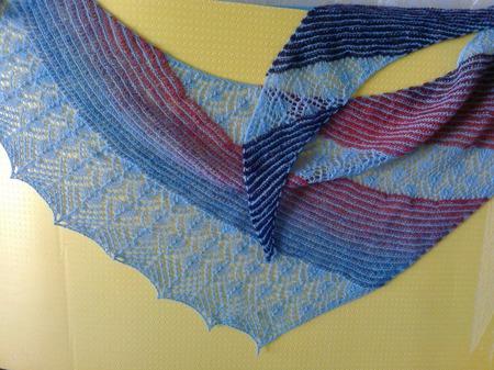 Оригинальная шаль ручной работы на заказ