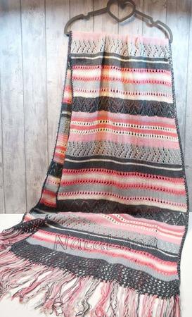 Палантин из мериносовой шерсти ручной работы на заказ