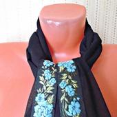 """Черный шифоновый шарф ручной работы """"Голубые цветы"""" модель 1"""