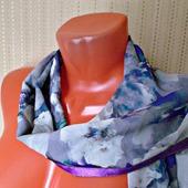 """Серый палантин ручной работы из ткани """"Очаровательные кляксы"""" модель 1"""