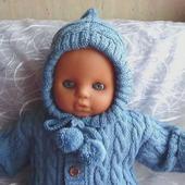 Вязаный комбинезон с капюшоном для малыша