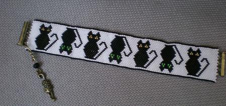 """Браслет """"Черные кошки"""" ручной работы на заказ"""