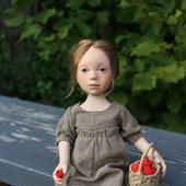 """Кукла из пластики """"Девочка с малиной"""""""