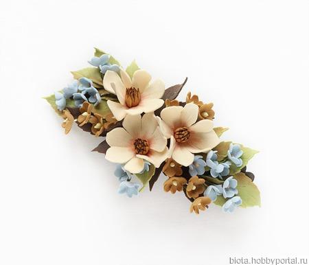 Заколка бежевые голубые коричневые цветы ручной работы на заказ
