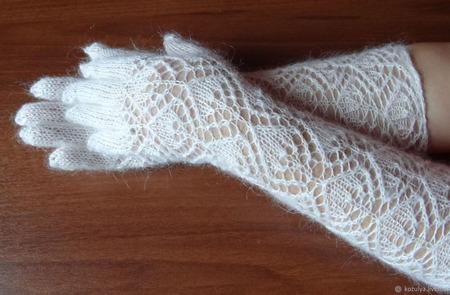 Перчатки длинные пуховые ручной работы на заказ