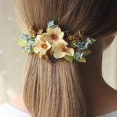 Заколка бежевые голубые коричневые цветы