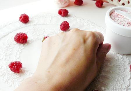"""Йогурт для тела  """"Малина"""" ручной работы на заказ"""