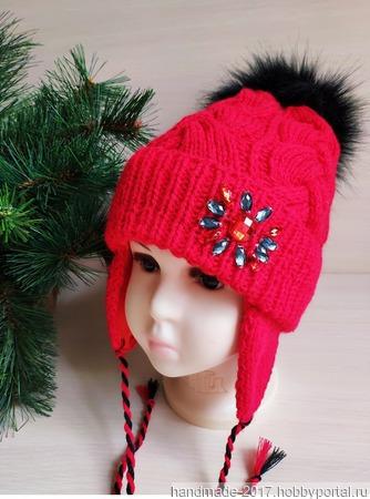 Зимняя шапка для девочки с кристаллами и меховым помпоном ручной работы на заказ