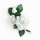 Брошь белые розы Белоснежные цветы