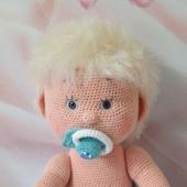Вязанная кукла Вовочка