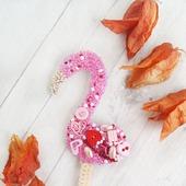 Брошь вышитая бисером Фламинго