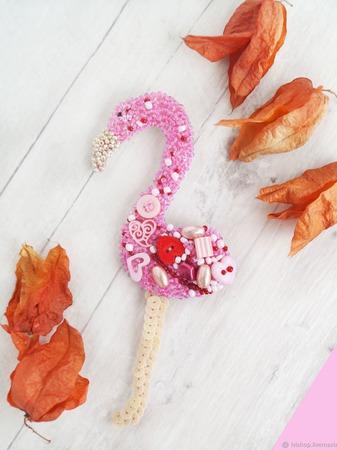 Брошь вышитая бисером Фламинго ручной работы на заказ