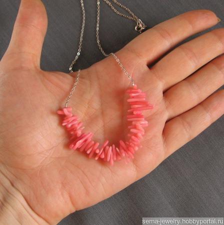 """Колье """"Coral roses"""" из кораллов на серебряной цепочке ручной работы на заказ"""