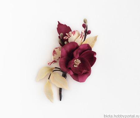Брошь с цветами бордовая ванильная кремовая ручной работы на заказ