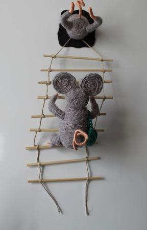 Сувенир на холодильник Мышки ручной работы на заказ