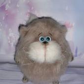 Кот толстячок
