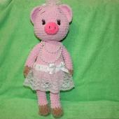 Вязаная свинка балеринка из плюша