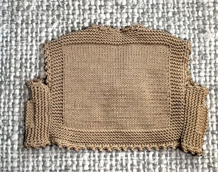 Детский вязаный жилет-болеро ручной работы на заказ