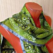 """Зеленый палантин ручной работы из ткани """"Зеленая фея"""" модель 1"""