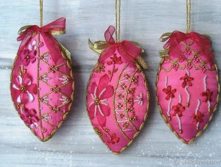 Елочные украшения Крем фиолет, вышивка лентами ручной работы на заказ
