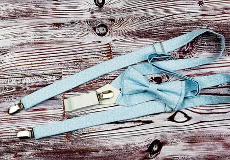 Набор бабочка и подтяжки голубой с белым рисунком ручной работы на заказ