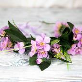 Венок на голову с сиреневыми цветами, орхидеи
