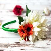 Ободок с хризантемой