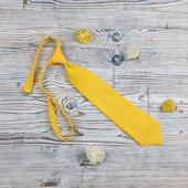Детский галстук желтый